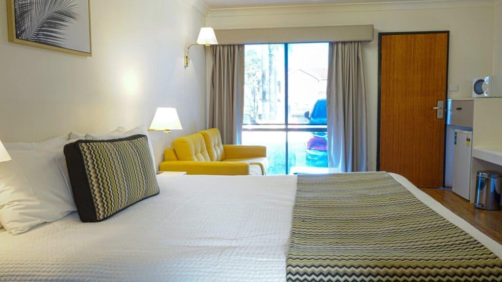 Home - Accommodation,The Palms Motel Dubbo,Dubbo Motel Accommodation,Motel Accommodation,Motel Dubbo